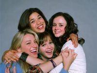 fotos entre cuatro amigas abrazadas