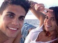 selfie novios playa casual