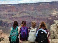sesion fotos cuatro amigas viajeras mochileras
