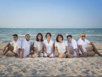 toda la familia en la playa